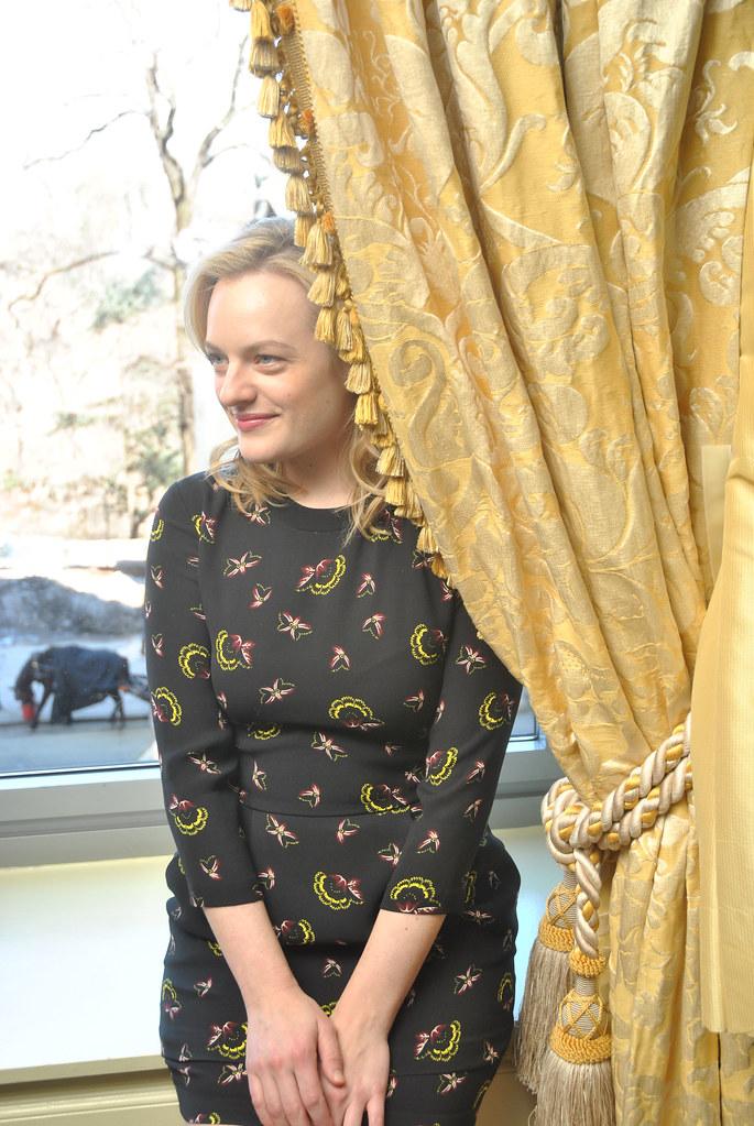 Элизабет Мосс — Пресс-конференция «Безумцы» 2015 – 10