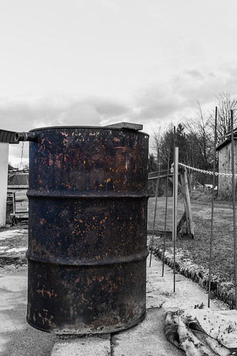 Rusty old barrell