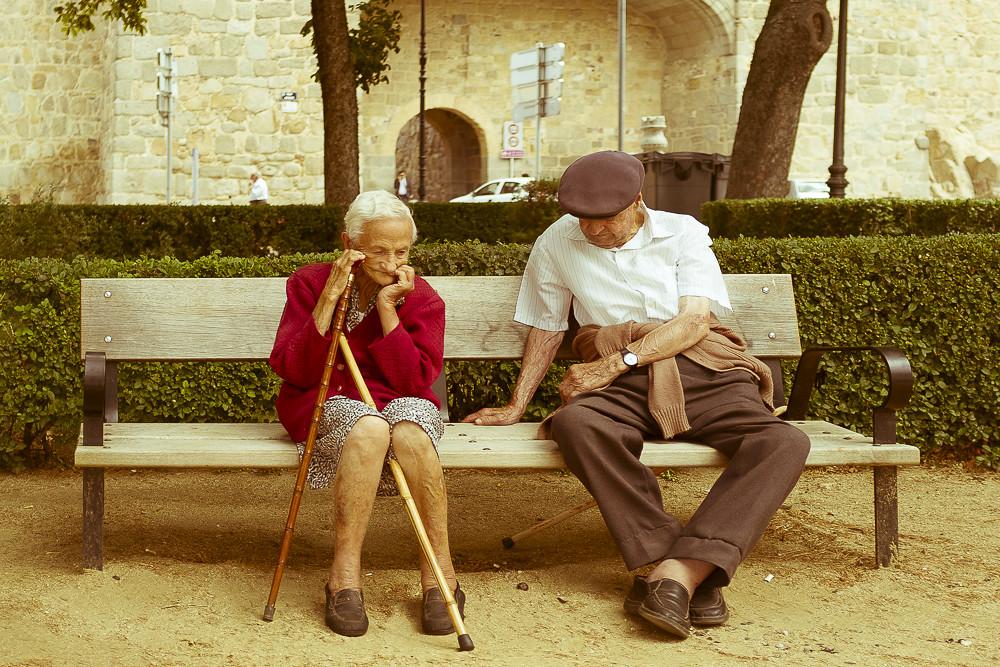 201532 Adult loneliness (VI)
