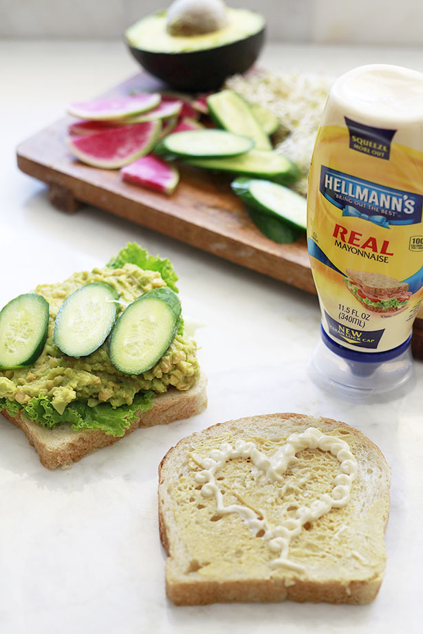 avocado chickpea sandwich