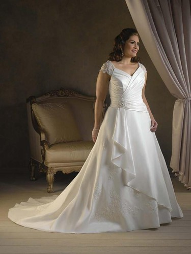 wedding dresses for plus size bridal