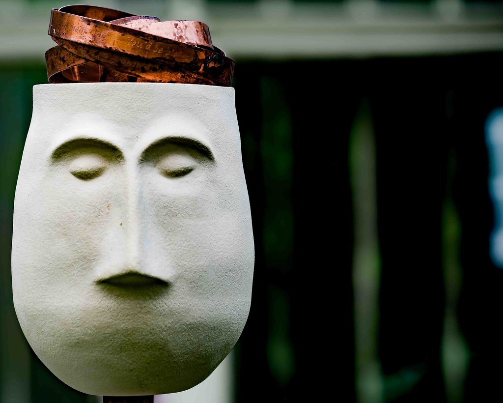 SMALL TALK BY JACKIE BALL [SCULPTURE IN CONTEXT 2015] REF-10805379