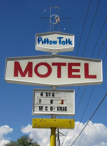 sky utah neon highdesert wellington smalltown motels metalsigns vintagesigns plasticsigns vintagemotels