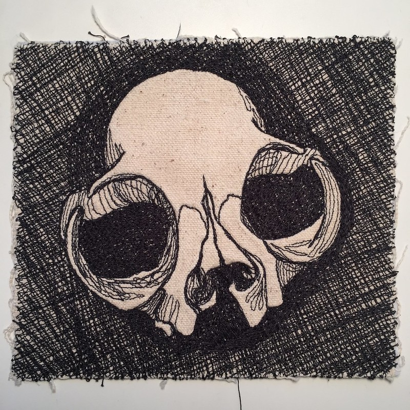 drawlloween day 20: skull
