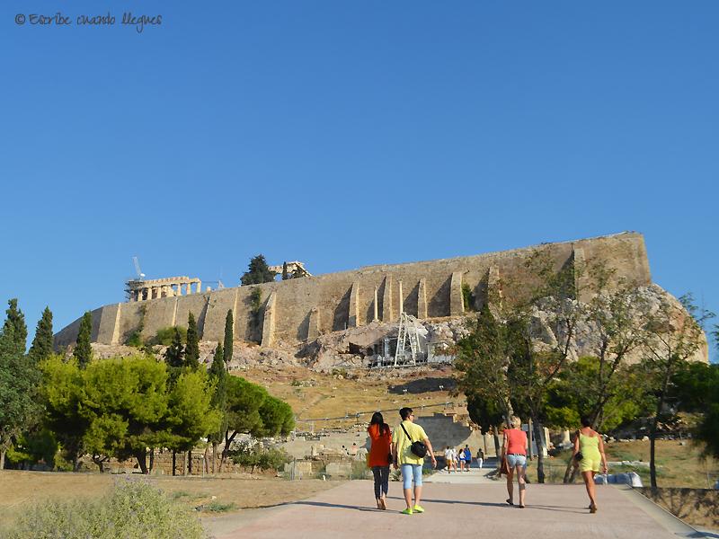 Teatro de Dionisio con la Acrópolis de fondo