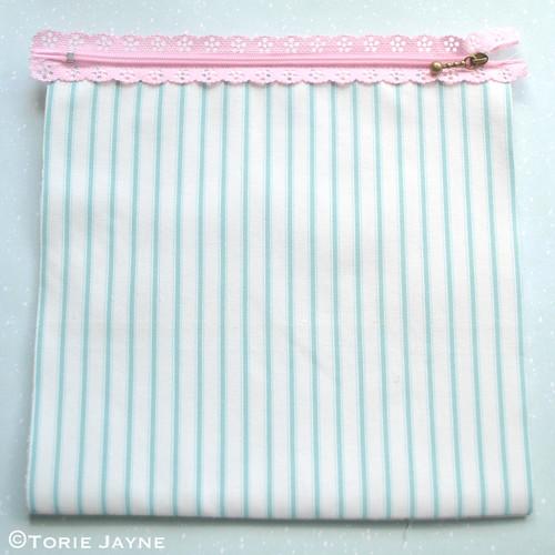 Lace Zip Pretty Pencil Case tutorial 5