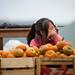 La niña y las mandarinas por NetoRules