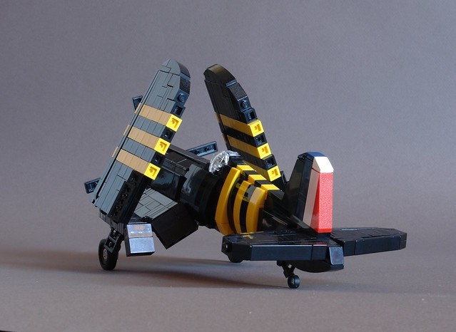 F4U-5 Corsair - Wings Folded