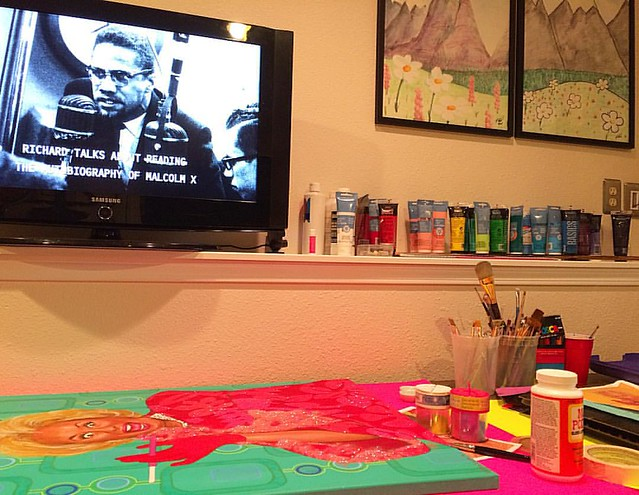 Painting workstation, currently. I'm watching a doc about Richard Pryor. 🎨