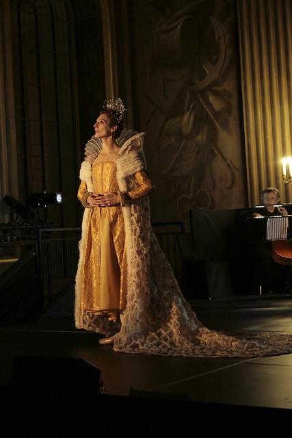 Zenaida Yanowsky in Elizabeth, The Royal Ballet © Ilaria Martello