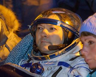 Expedition 45 Soyuz TMA-17M Landing (NHQ201512110004)