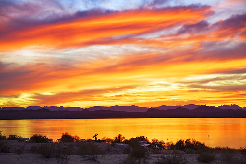 sunset arizona reflection water clouds canon az hdr lakehavasu 50d qtpfsgui luminancehdr