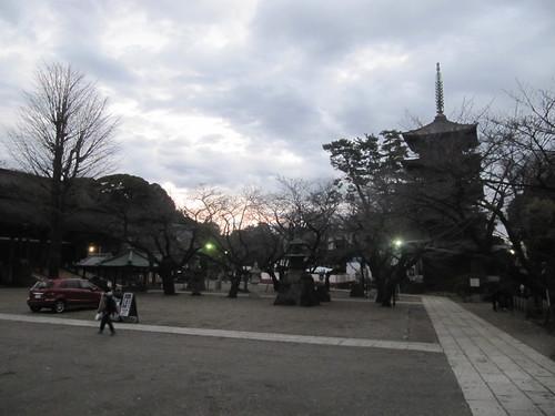 中山競馬場の法華経寺境内