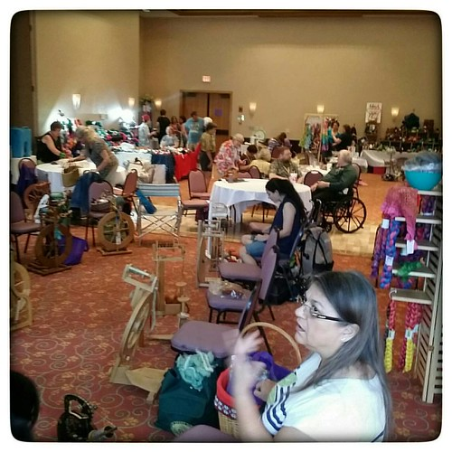 The Florida Fiber-In is hoppin'! #handdyedyarn #spinning #floridafiberin2015 #floridafiberin