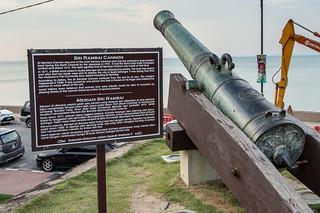 Изображение Fort Cornwallis вблизи Джорджтаун. malaysia cannon penang fortcornwallis