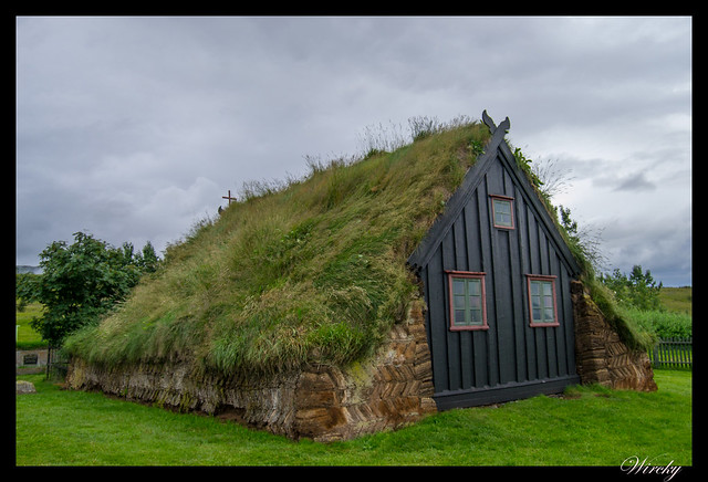 Islandia Myvatn Godafoss Akureyri Glaumbaer Vidimyrarkirkja Grundarfjordur - Parte trasera de iglesia Vidimyrarkirkja en Varmahlid