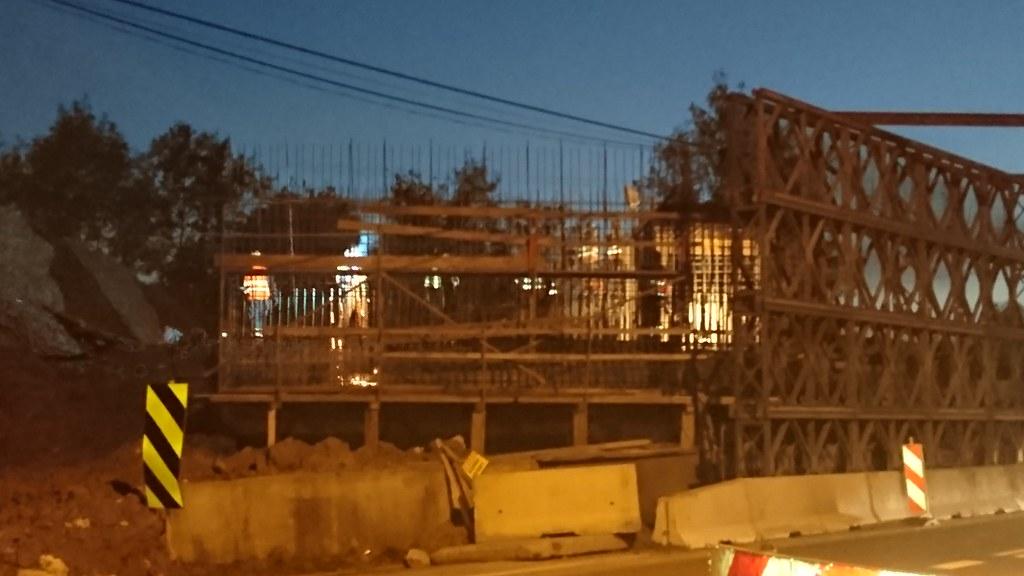 Widełka noc wiadukt