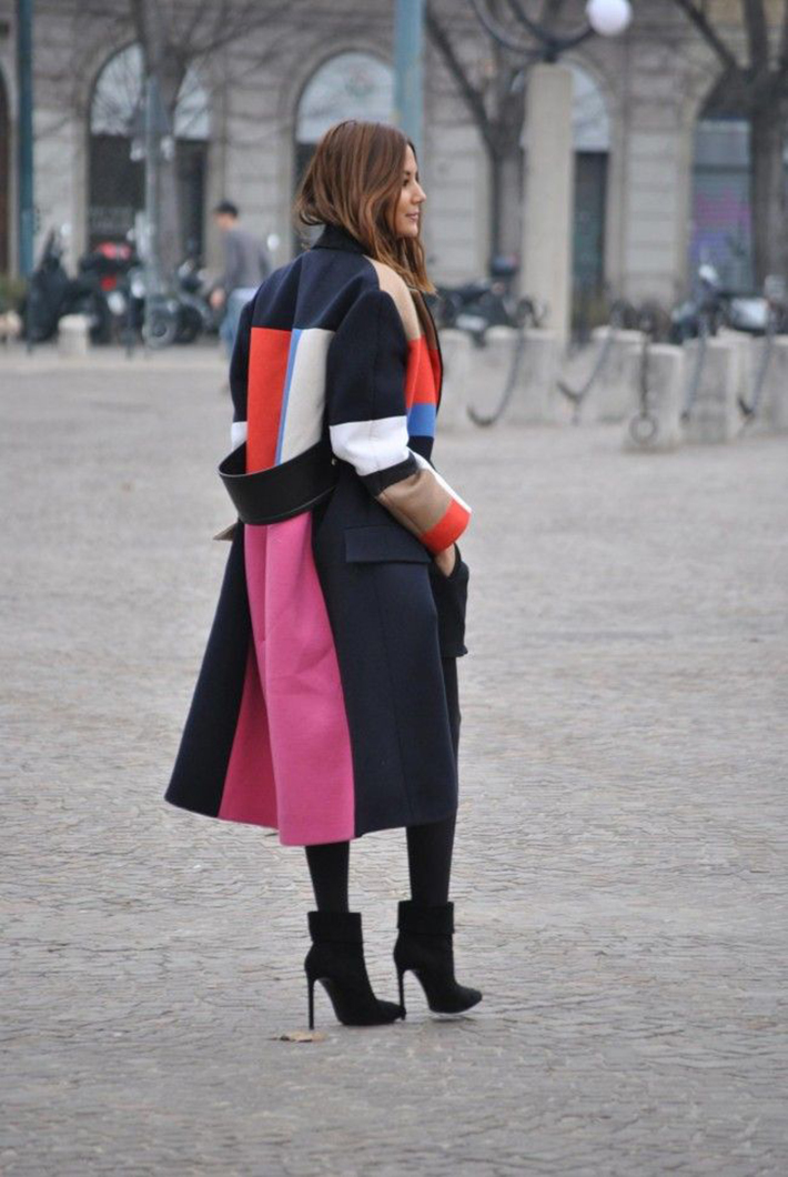Coats Scarfs And Sweater Winter outfits inspiration streetstyle6