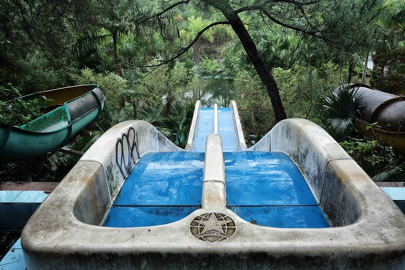 Hue - Ho Thuy Tien - Abandoned Water Park - Slides 1