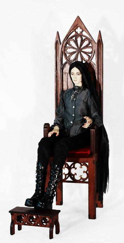 Gothic throne m02