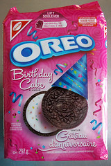 oreo_birthdaycake_CAN_01