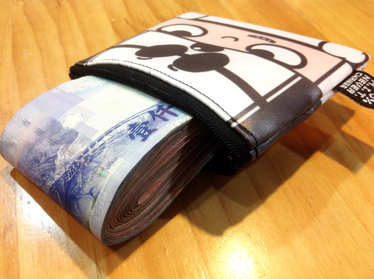 stack-戴黑白帽的積木人-防水零錢包-02