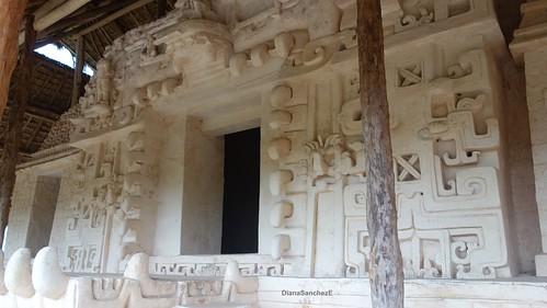Z.A. Ek' Balam, Vista poniente del templo principal.