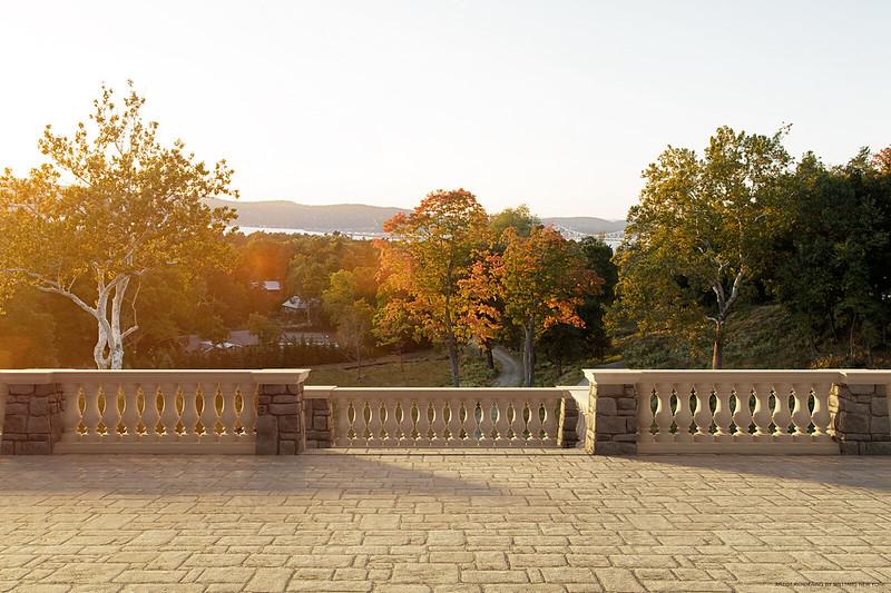 Терраса с панорамным видом близ Манхэттена