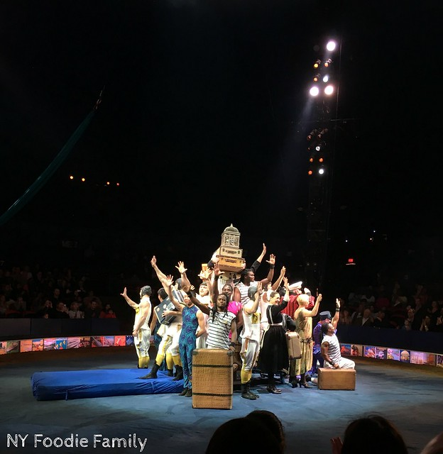 Cast of the Big Apple Circus