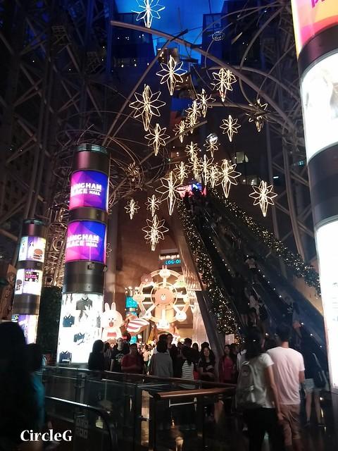CIRCLEG 徵圖 世界各地聖誕裝飾 2015 香港 旺角 朗豪坊 LINE 熊大 兔兔 莎莉 BROWN CONY SALLY (3)