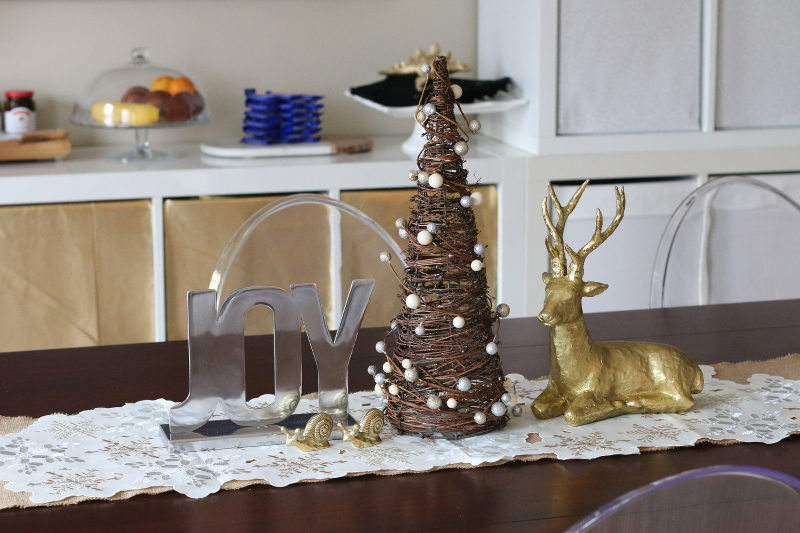 christmas decor, dining table decor, reindeer