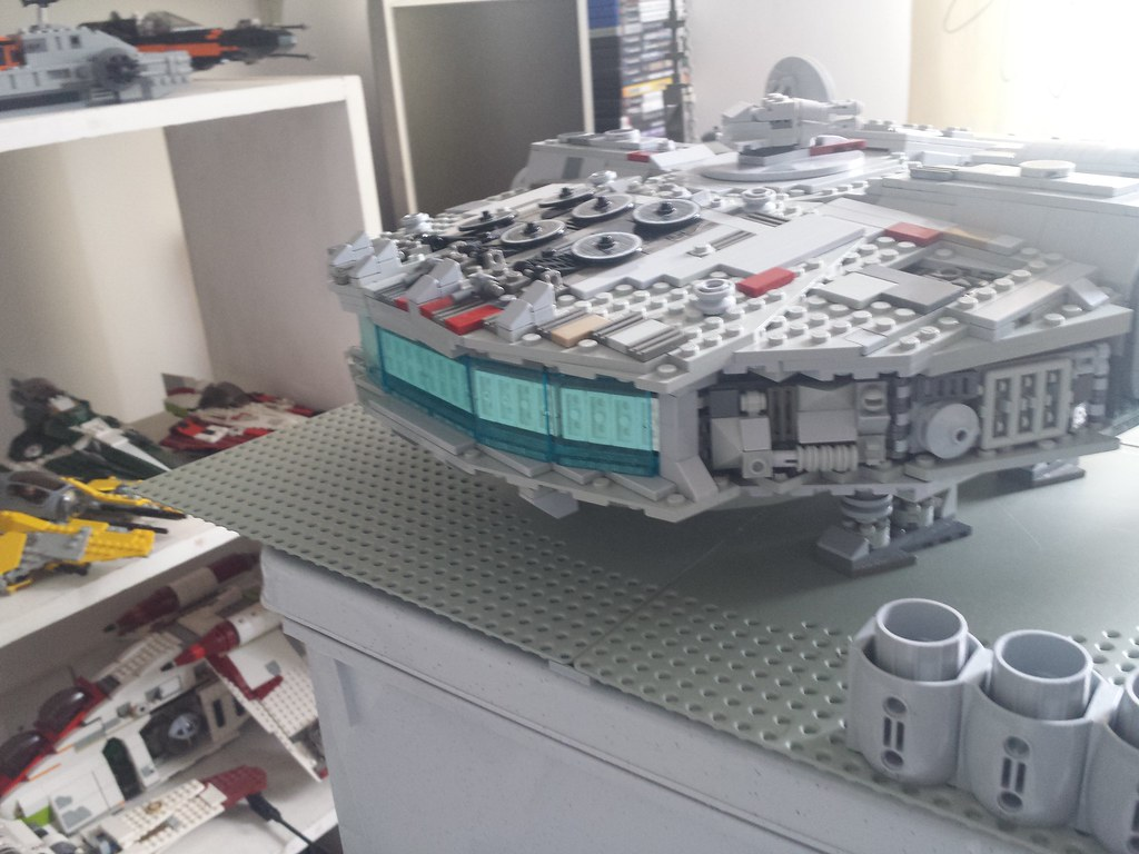 Lego Millennium Falcon back left