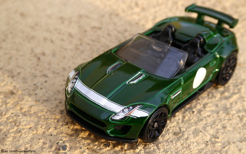 Hot Wheels 2015 - Jaguar F-Type Project 7