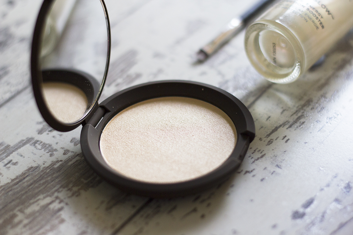 becca-shimmering-skin-perfector-moonstone-review