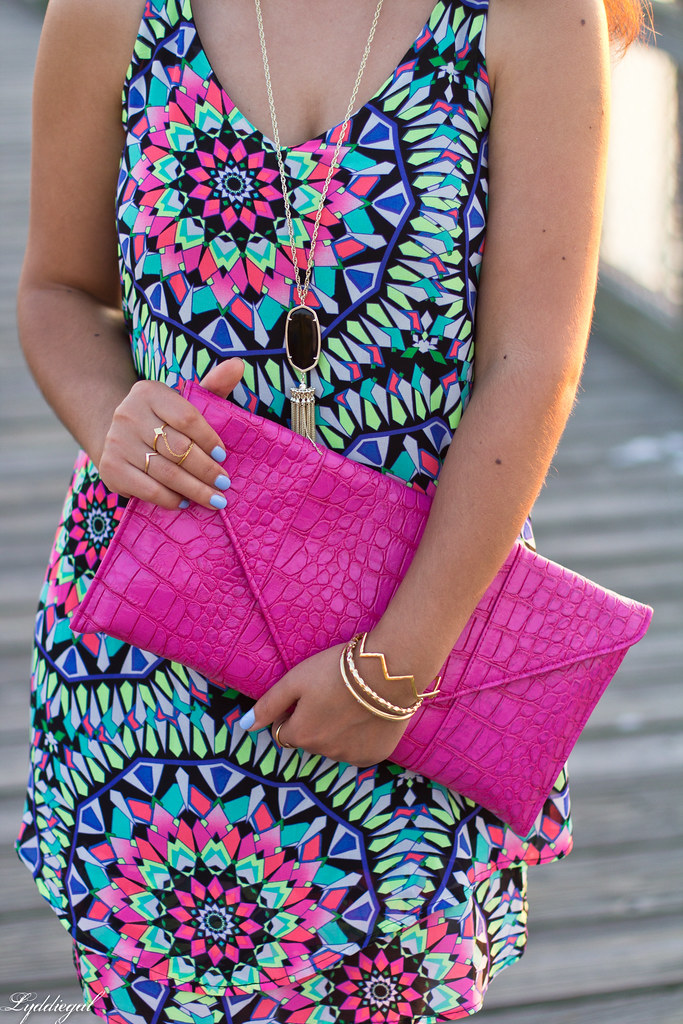 kaleidoscope print swing dress, pink clutch-7.jpg