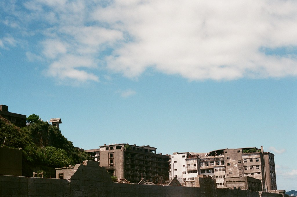 軍艦島(Gunkanjima)  端島 長崎港 Nagasaki 2015/09/07 軍艦島一景  Nikon FM2 / 50mm AGFA VISTAPlus ISO400 Photo by Toomore