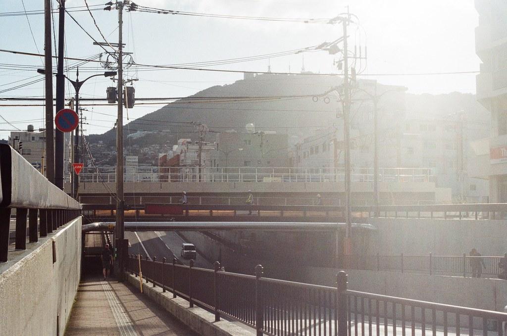 宝町 長崎 Nagasaki 2015/09/08 經過一個地下道,準備過去對面搭纜車上去稲佐山。  Nikon FM2 Nikon AI Nikkor 50mm f/1.4S Kodak UltraMax ISO400 Photo by Toomore