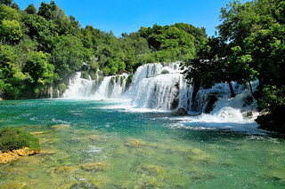Immagine di Skradinski buk. park sun water river waterfall day croatia sunny clear national sibenik krka hrvatska skradin