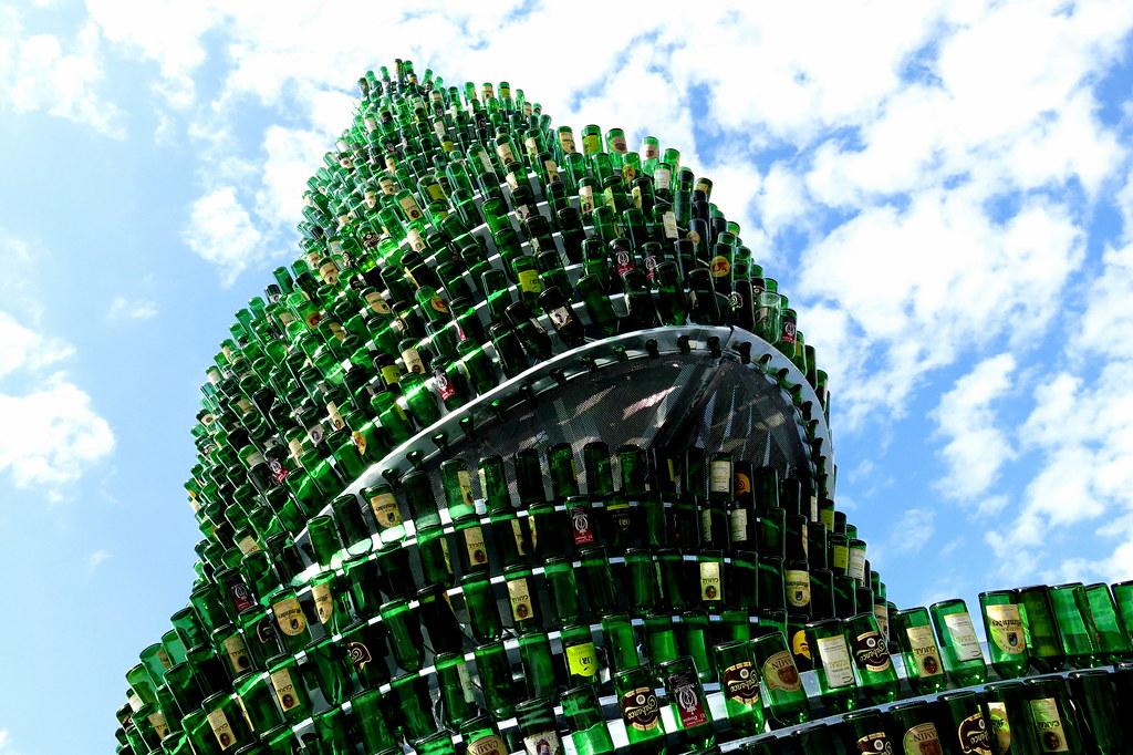 árbol de botellas vacías