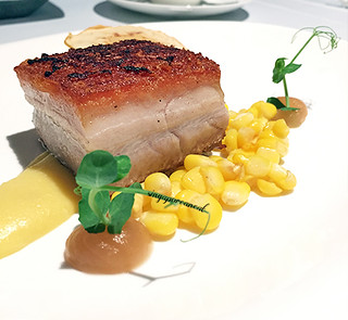 Buona Terra 06 - Pancia di Maiale, mais e Mele (Seared Pork Belly with Corn, Apple and Red Cabbage with ricotta and mousseline potatoes