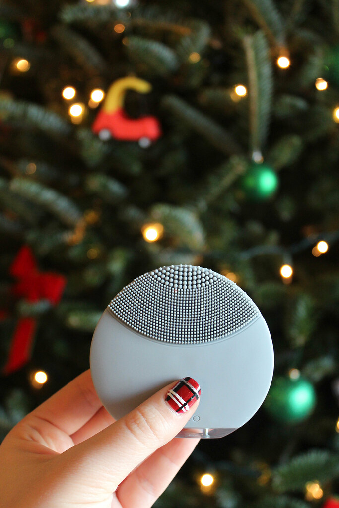 Glowing Holiday Skin with Foreo Luna