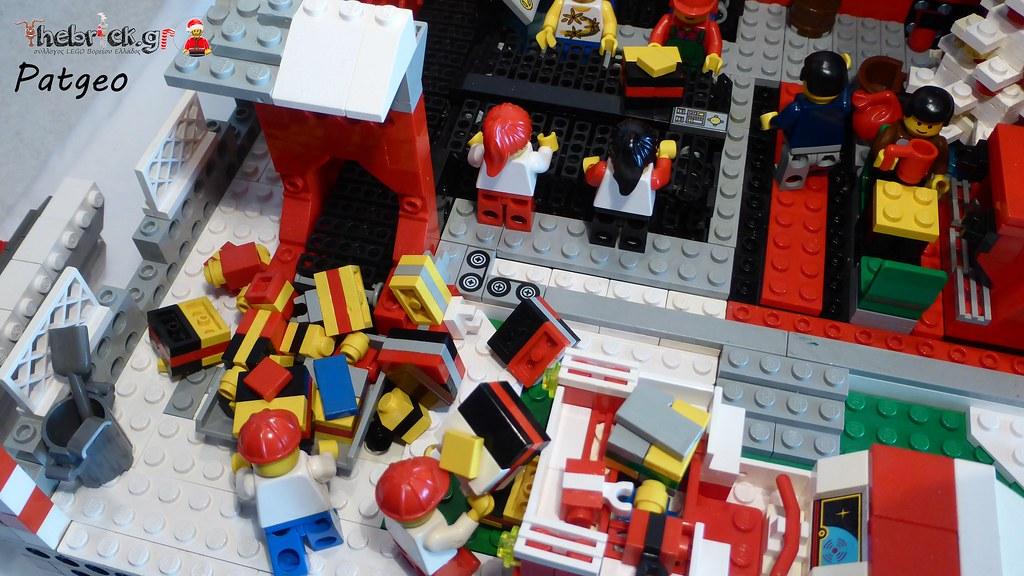 """[BuildtheBrick #2]: """"Santa's Workshop"""" 23607474036_74923ff02a_b"""