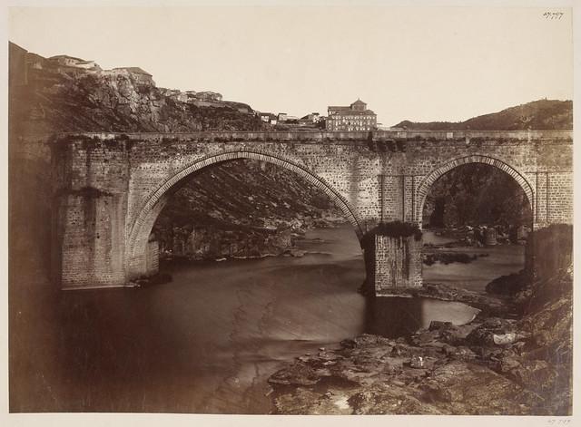 Puente de San Martín en 1858. Fotografía de Charles Clifford. © Victoria and Albert Museum, London