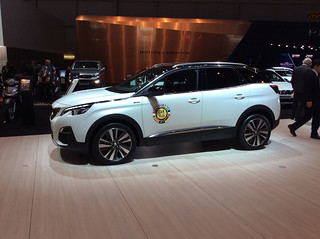 PEUGEOT 3008 Car of The Year_3