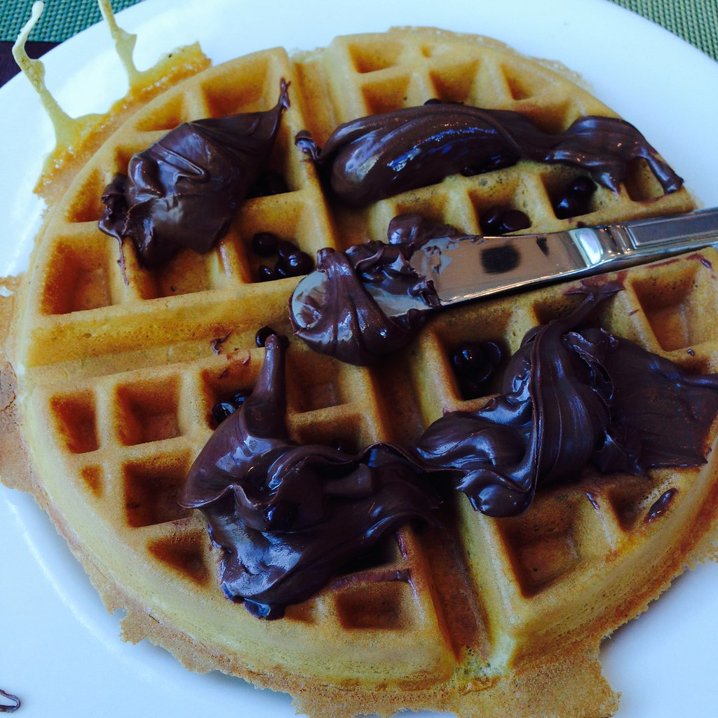 If only every morning began with a nutella waffle!
