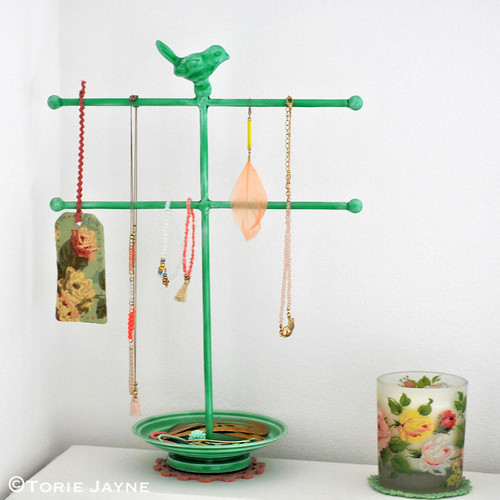 Bird jewellery holder