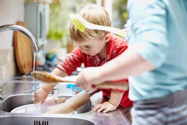 Lavar los platos disminuye el estres