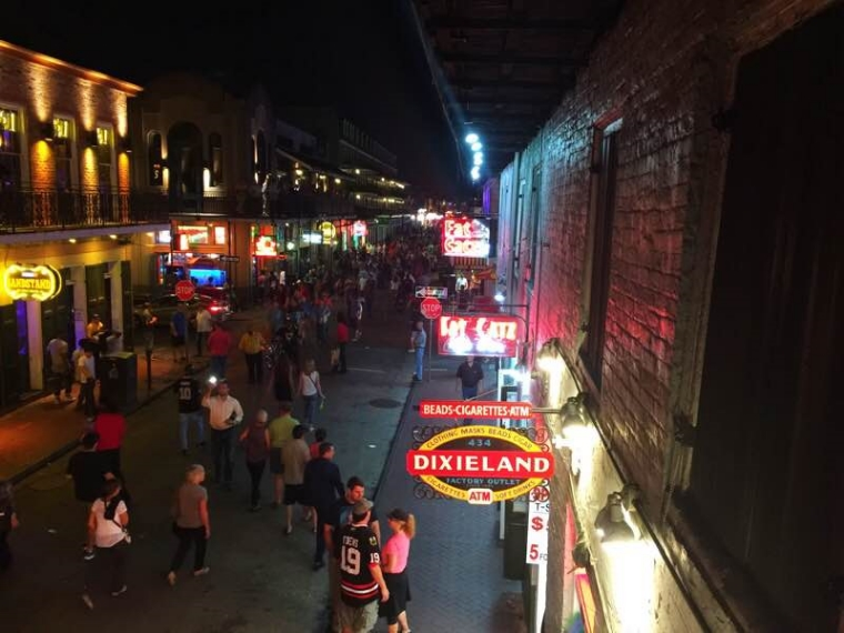 Pier 424 Seafood Market, Harrah's in New Orleans, Harrah's, Cafe Adelaide, SoMeT 2015, Social Media Tourism Symposium, Tujague's Restaurant, exploring New Orleans, sunny day in New Orleans, oyster, seafood, travel, Louisiana, Visit New Orleans, Visit Louisiana