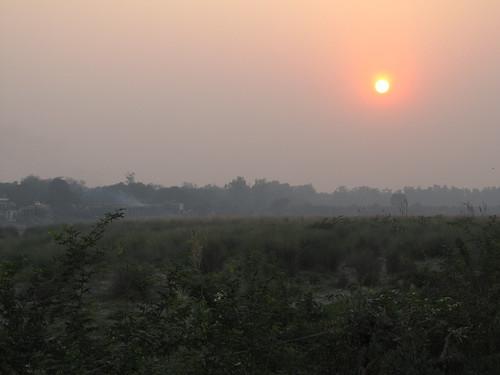 Taj Mahal: coucher de soleil de l'autre côté de la rivière Yamuna