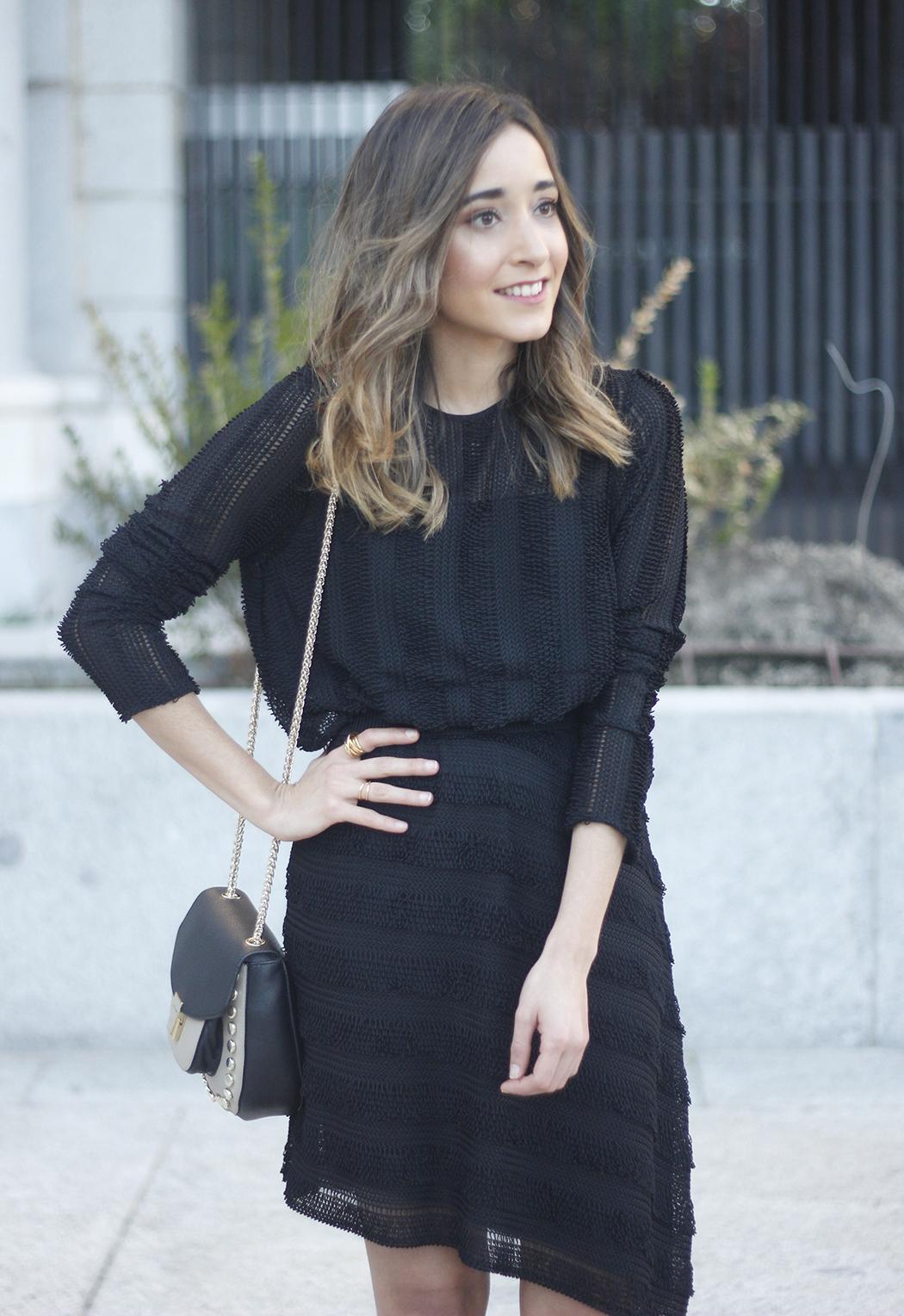 asymmetrical black dress uterqüe bag outfit streetstyle17